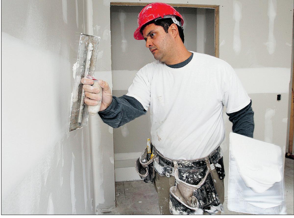 Чем шпаклевать стены под покраску своими руками 507