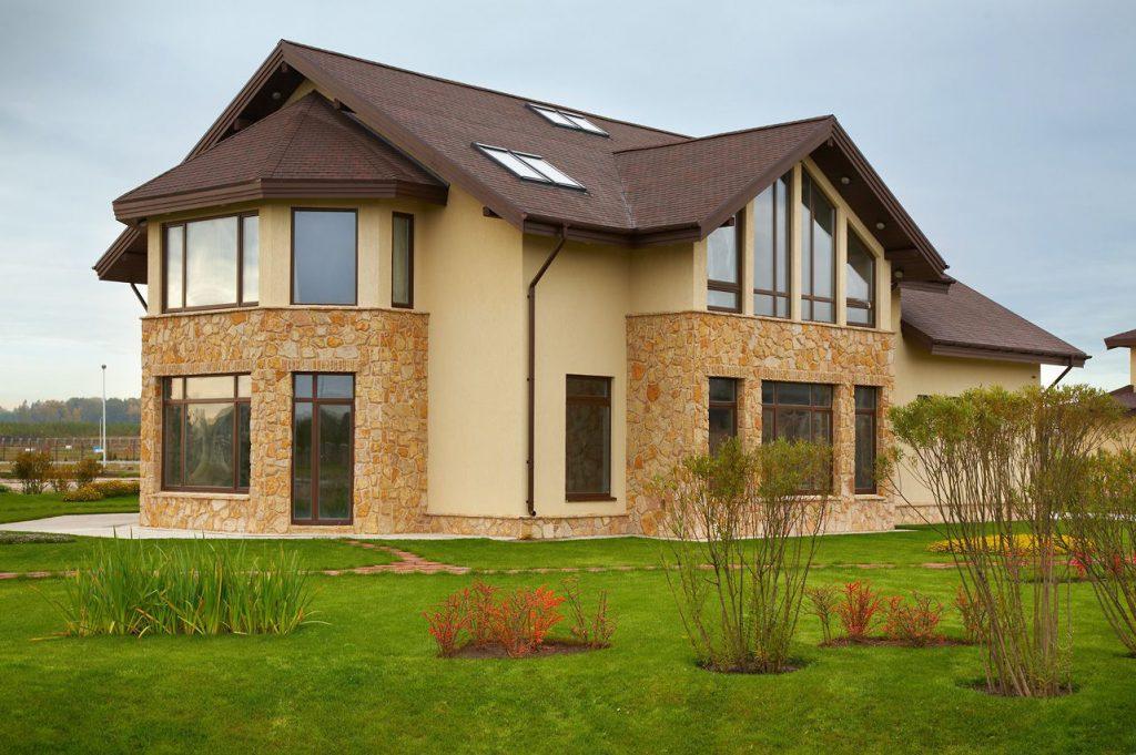 Какие есть материалы для отделки фасада домов